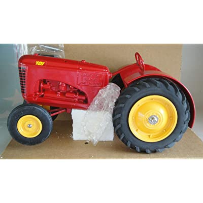 Massey Harris 101 Tractor Summer Toy Festival 1990 1/16 Scale SPECCAST New: Toys & Games [5Bkhe1801942]