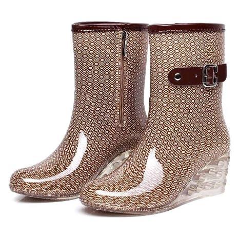Da cosa indossare stivali sul cuneo: le tendenze della moda