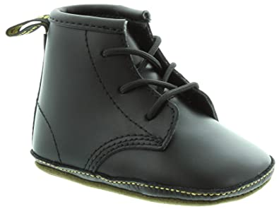8f19b0244eae Dr. Martens - Auburn Crib Lace Boot in Black  Amazon.co.uk  Shoes   Bags