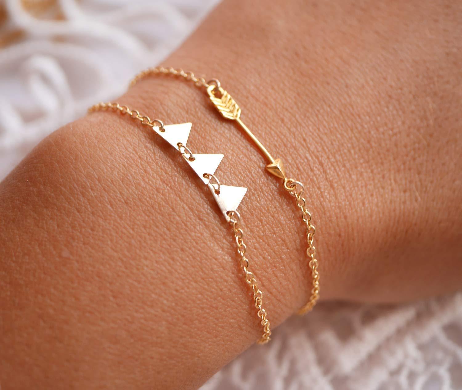bioux g/éom/étrique bracelet fin dor/é bracelet dor/é 3 trianlges Bracelet plaqu/é or triangles bracelet g/éom/étrique