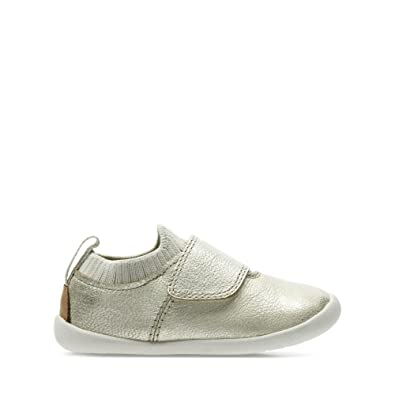 Clarks Roamer Seek Toddler Leather Shoes in Metallic Standard Fit Size 2½  Grey  Amazon.co.uk  Shoes   Bags ebc007425