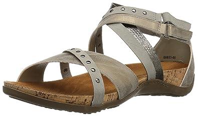 b02d32418e89 Amazon.com  BEARPAW Women s Julianna Heeled Sandal  Shoes