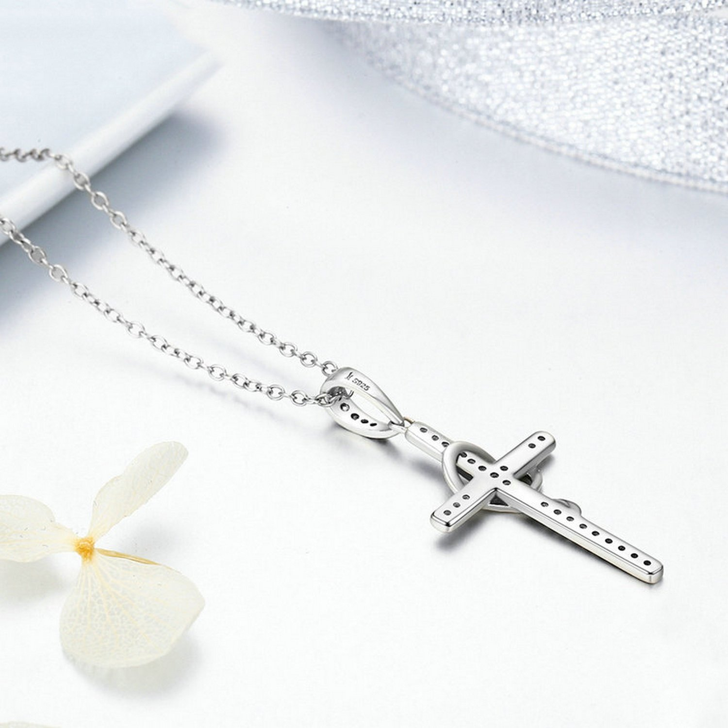 CS-DB Pendants Cross Twisting with Heart Silver Necklaces