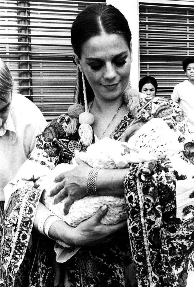 24 x 30 Natalie Wood with her daughter Natasha Photo Print