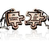 schenkYOU® Puzzle Anhänger 2er Set Echtholz Schlüsselanhänger aus Nussbaum mit Gravur – Ihr Wunschtext + Symbol – gestalten Sie Ihren gravierten Partneranhänger – tolle Geschenkidee