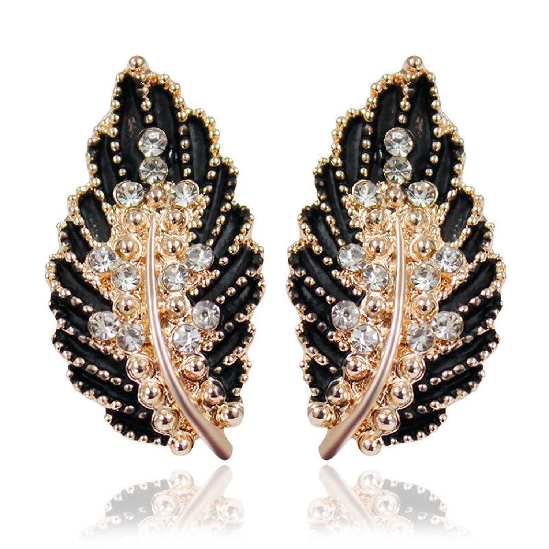 7d2be0c98676 Buena Dana Carrie Europeos y Americanos de cuatro colores minimalistas mini  taladro deja ear uñas negras