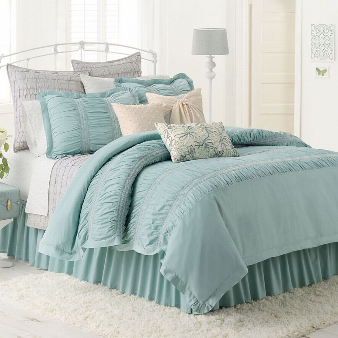 amazoncom lc lauren conrad lily reversible comforter set pretty blue twintwin xl bed 2 pc home u0026 kitchen