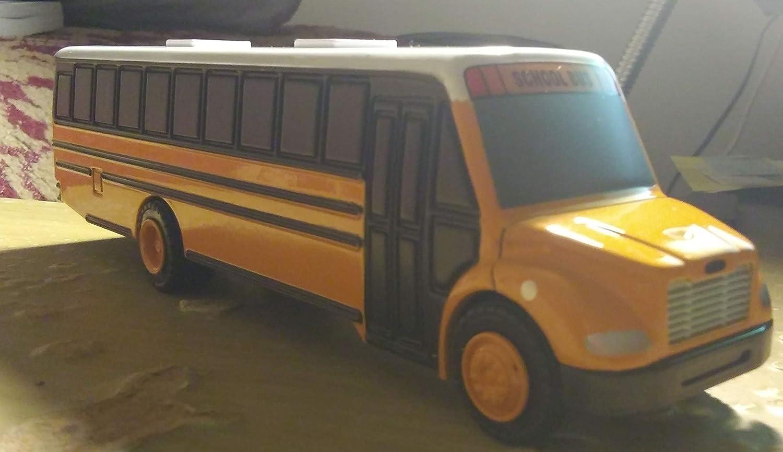Amazon com: Thomas Saf-T-Liner C2 School Bus (Yellow/White): Toys