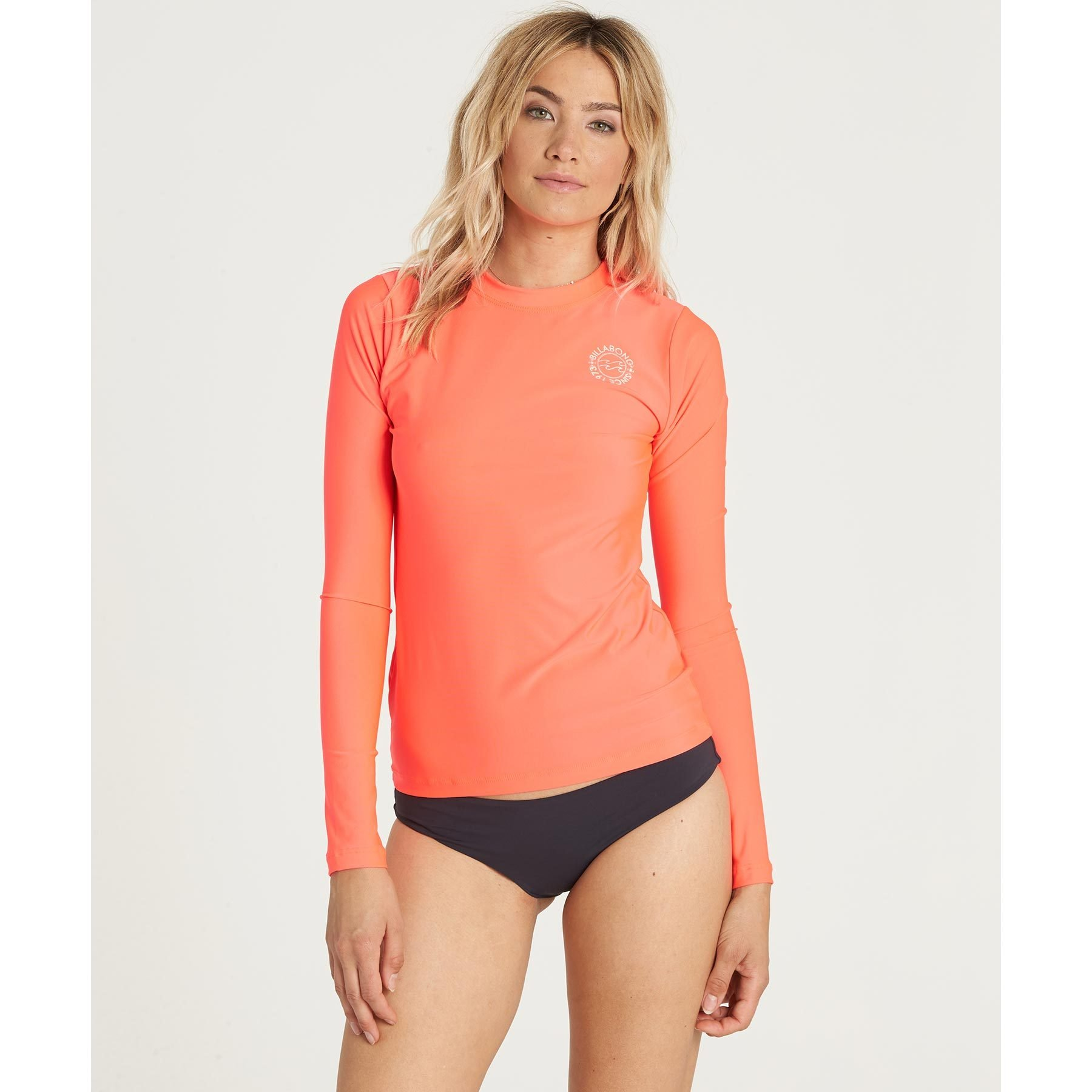 Billabong Women's Core Lose Fit Long-Sleeve Swim Rashguard, Horizon Red, S