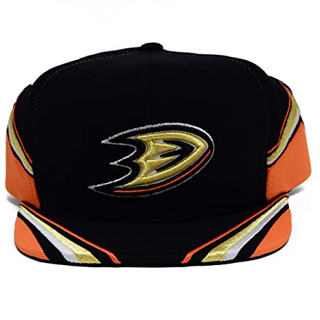 Amazon.com   Mitchell   Ness NHL Team Jersey Snapback Hat (One Size ... d8b0c4c6ce9