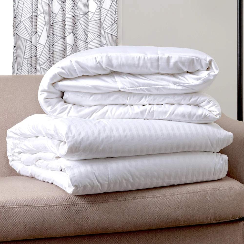 Queen 90x90 Microfiber Down Duvet Quilted Washable Hypoallergenic 300 GSM Synthetic Down Fill with Luxury Stripe Design