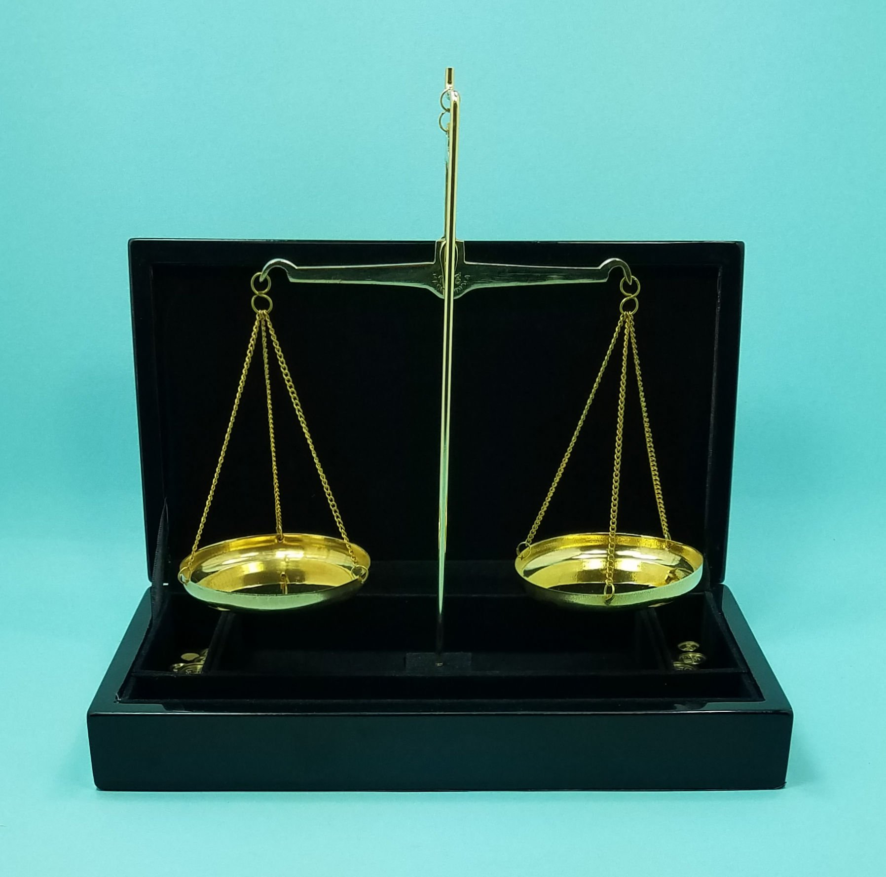 Executive 100-Gram Capacity Balance Scale in Black Piano Finish Case