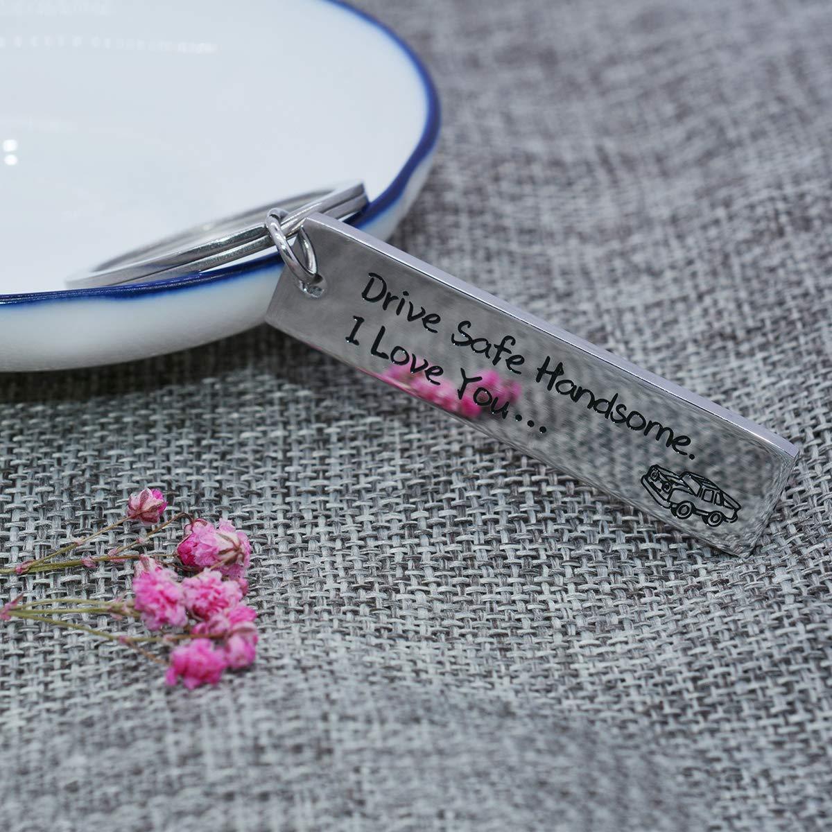omodofo Drive Safe Ride Safe Travel Safe Trip Rectangle Key Chain for Trucker Boyfriend Girlfriend Couple Christams Gift