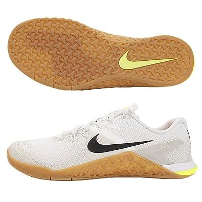 fc8abbe43900 Nike Metcon 4 Sz 9 Mens Cross Training White Black-Light Bone-Gum