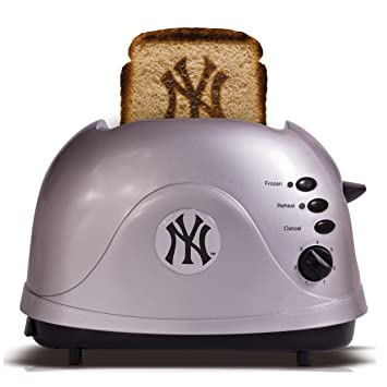 Amazon MLB New York Yankees Protoast Team Logo Toaster