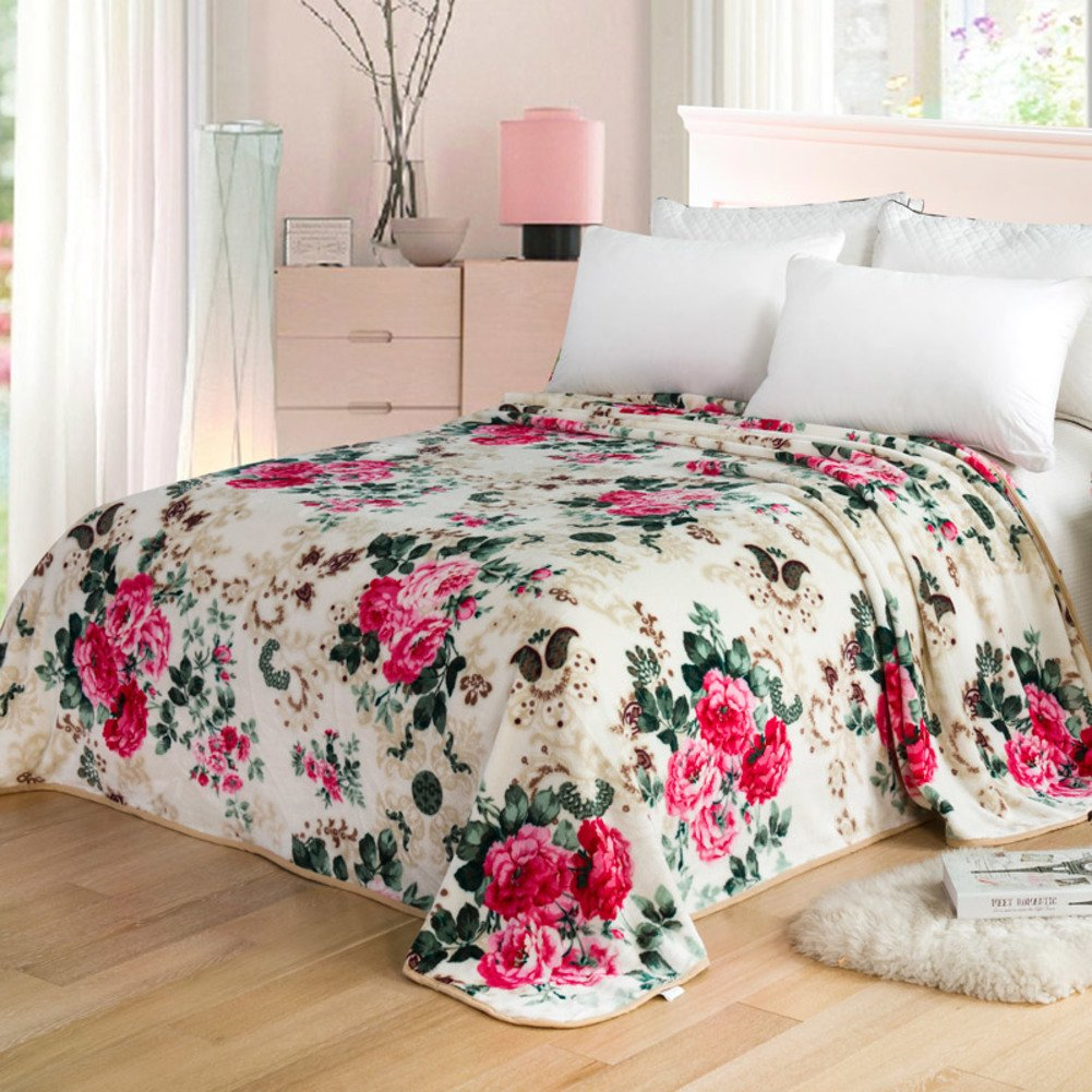 Fall/winter Warm Blanket/ Flannel Blanket/towel Blanket / Blanket/ Coral  Fleece