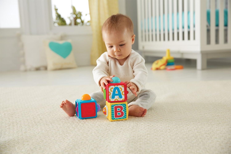 Fisher-Price Blocs d'activité, 3 cubes colorés à empiler, pour bébé 6 mois et plus, DHW15
