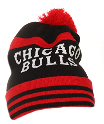 c00e1f00f7b Chicago Bulls NBA Black   Red   White On Field Cuff Knit Mitchell   Ness  Bobble Beanie Hat One Size  Amazon.co.uk  Clothing