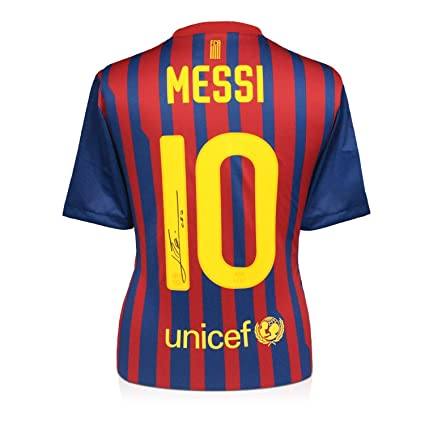 636f0ae52c777 Lionel Messi Signed FC Barcelona Soccer Jersey at Amazon's Sports  Collectibles Store