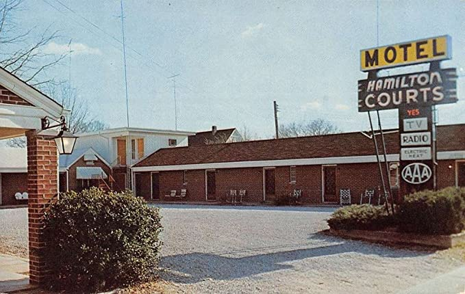 Hamilton Alabama Motel Courts Street View Vintage Postcard