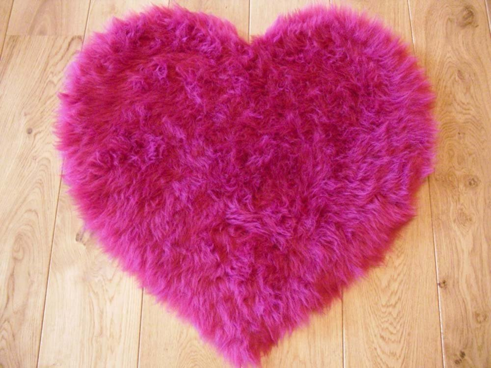 Unique Bright Pink Fuschia Faux Fur Sheepskin Style Rug (75cm x 75cm  OH87