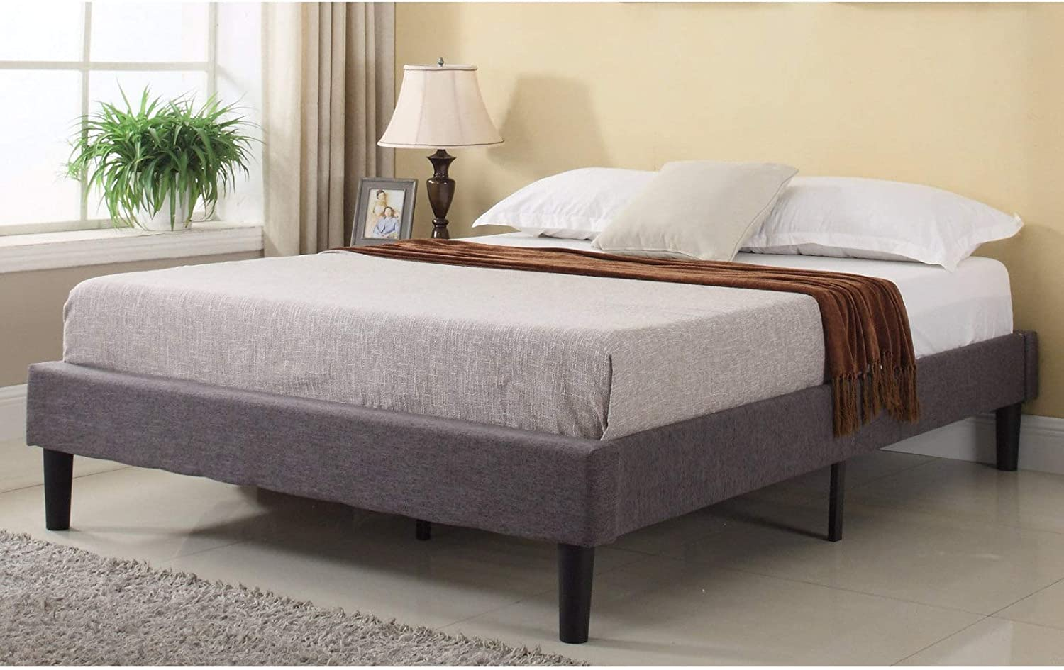 Modern Life Modern Grey Linen Fabric Platform Bed Twin