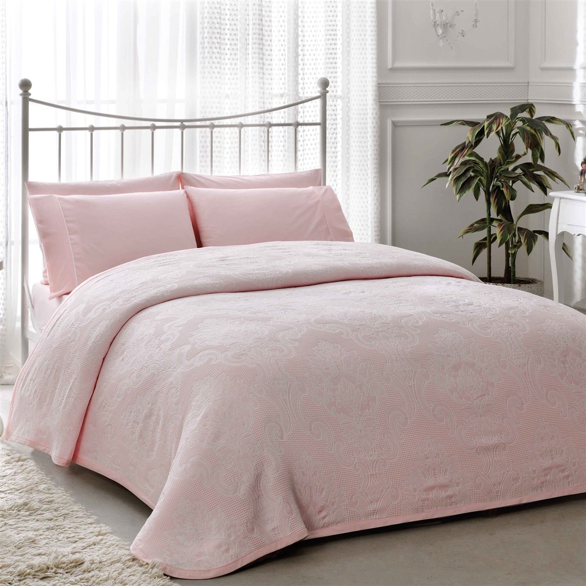 Cream & Dusty Pink (Dusty Pink Bedspread Set