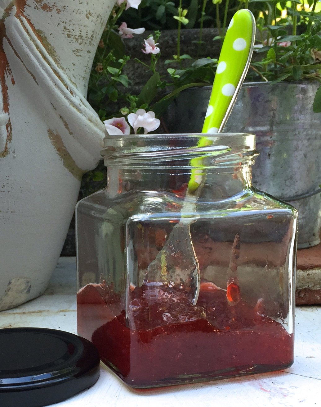 12 Square Glass Jam, Chutney, Preserve Jars + Black Screw-On Lids, 280ml (9.8oz)