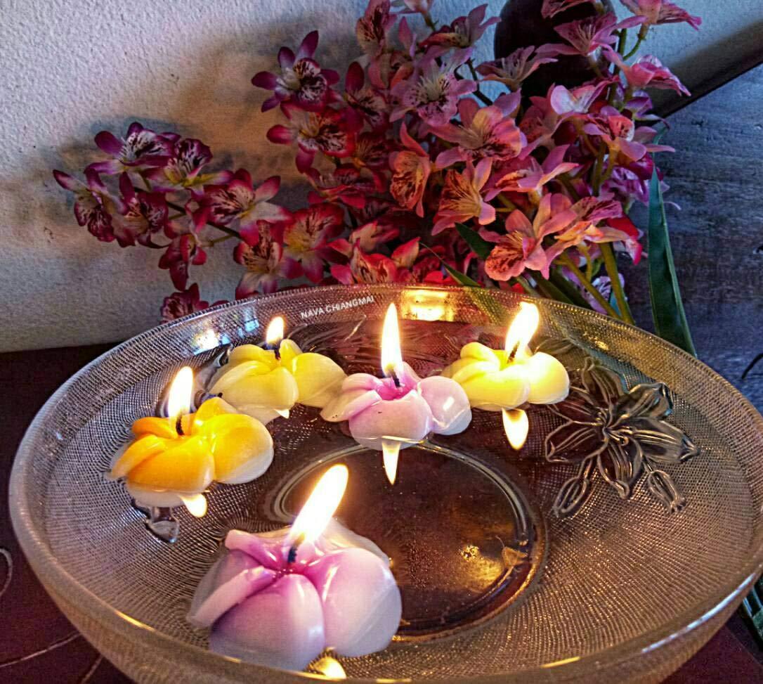 NAVA CHIANGMAI Plumeria Flower Floating Candles 10 pieces / 1 Set by NAVA CHIANGMAI (Image #4)