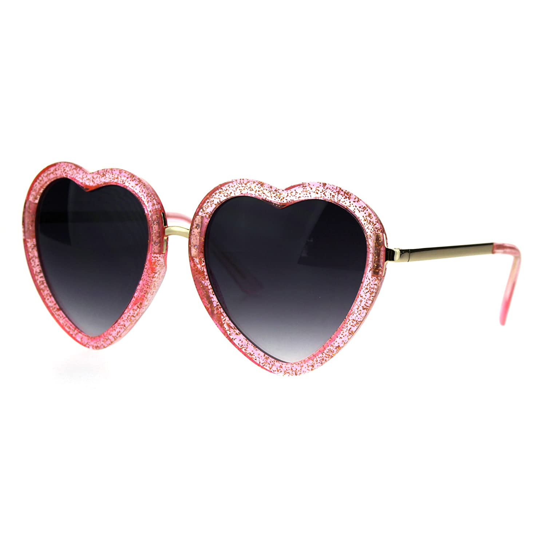 d71ee6e3b3d9e Amazon.com  Womens Retro Valentine Love Glitter Plastic Heart Sunglasses  Beige  Clothing