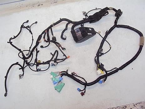 amazon com 09 10 honda pilot passenger headlight wire harness wires geo tracker wiring harness 09 10 honda pilot passenger headlight wire harness wires wiring engine room 3210
