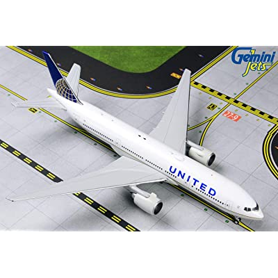 GeminiJets GJUAL1806 1:400 United Airlines Boeing 777-200ER Airplane Model: Toys & Games