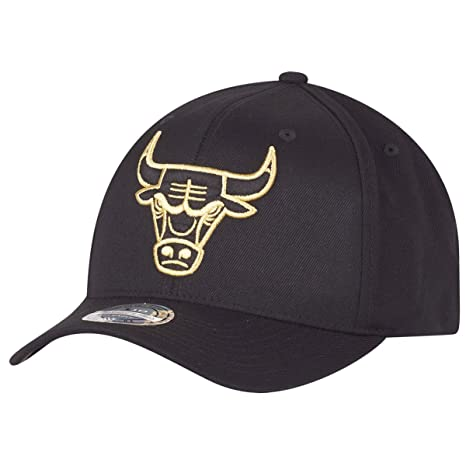 4a9cf435 Image Unavailable. Image not available for. Color: Mitchell & Ness Flexfit 110  Snapback Cap - Chicago Bulls