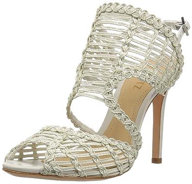a025c82cc88 Amazon.com  SCHUTZ Women s Thamis Heeled Sandal  Shoes