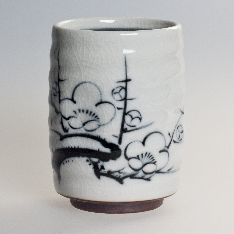 Teebecher Japanischer Teebecher Gr/ünteebecher NY-28 Pflaumenbl/üte Feinkeramik aus Japan 200ml