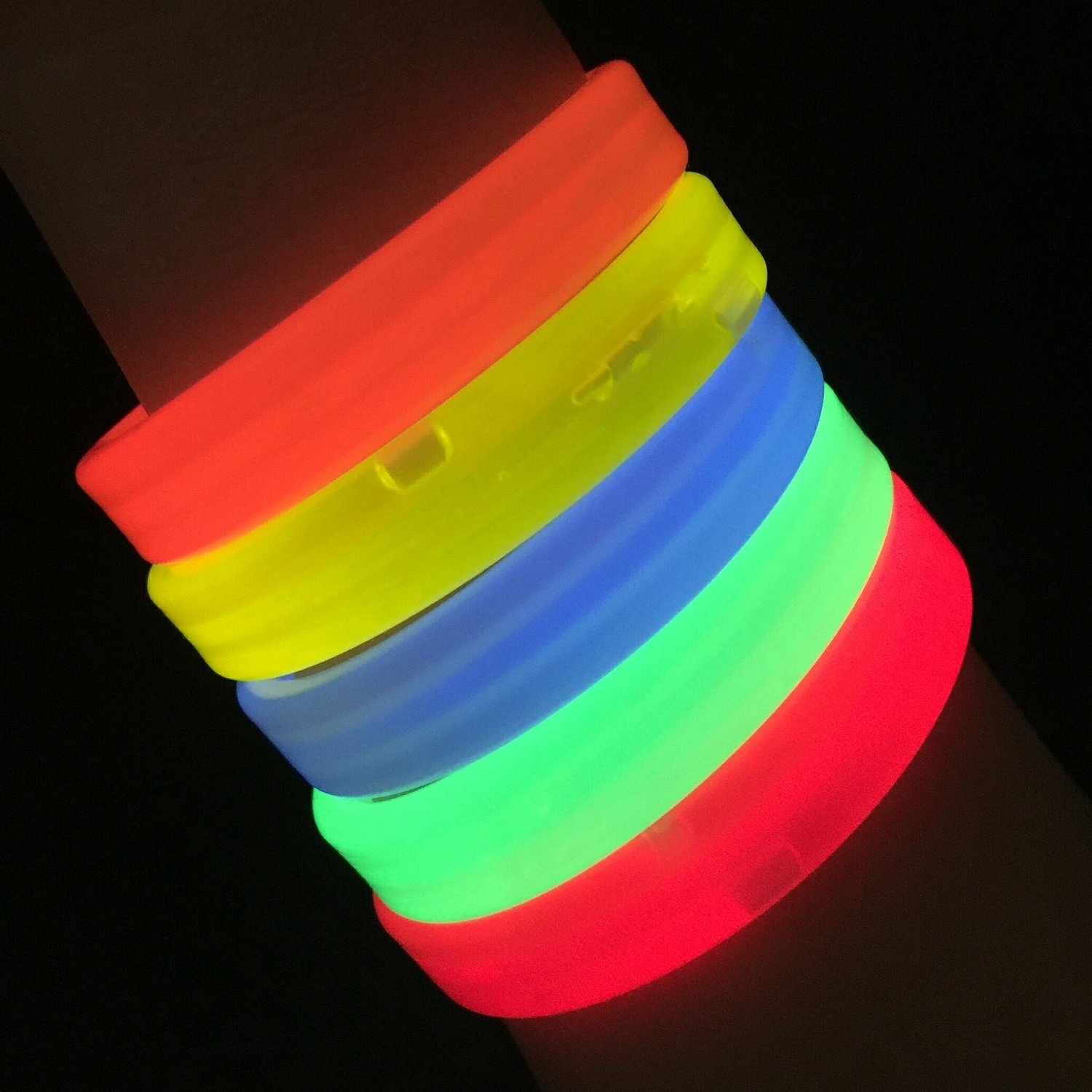 """Glow Sticks Bulk Wholesale Wristbands, 25 9"""" Triple-Wide Glow Bracelets, Assorted Bright Colors, Glow 8-12 Hrs, 25 Connectors Included, Glow Party Favors Supplies, Sturdy Packaging, GlowWithUs Brand"""