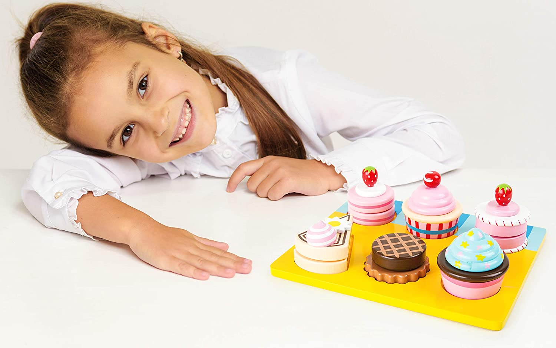 /à partir de 3 ans avec fermeture velcro combinable individuellement Small foot 10149 Cupcakes et gateaux /à d/écouper en bois