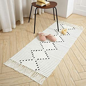 Boho Bathroom Runner Rug Small Fringe Rug for Kitchen Bedroom, Cotton Woven Tassel Throw Rug 2'X4.2' Moroccan Bath Mat Washable for Laundry Doorway Entryway, Exquisite Geometric Beige Minimalist Style