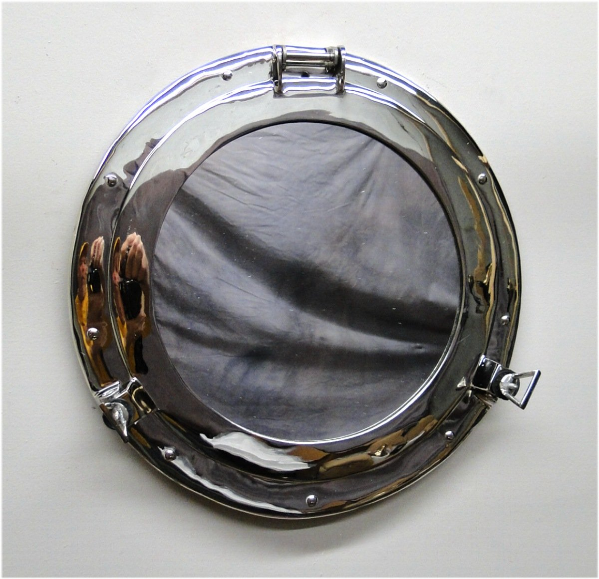 Amazoncom Big 16 Silver Porthole Mirror Over Solid Bass Nickel
