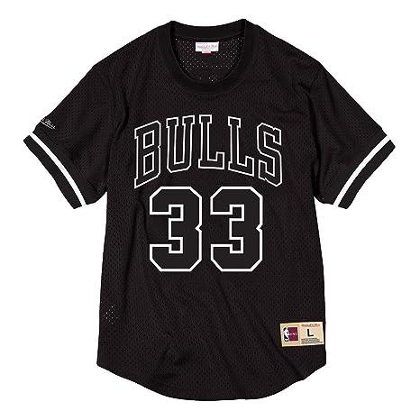 0468b923275 Mitchell   Ness Scottie Pippen  33 Chicago Bulls Black   White NBA Mesh  Crewneck Shirt