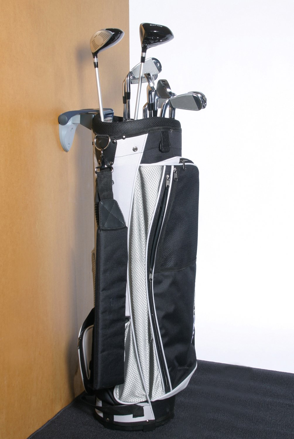 Hold-N-One Golf Bag Holder by The Other Edge (Image #4)
