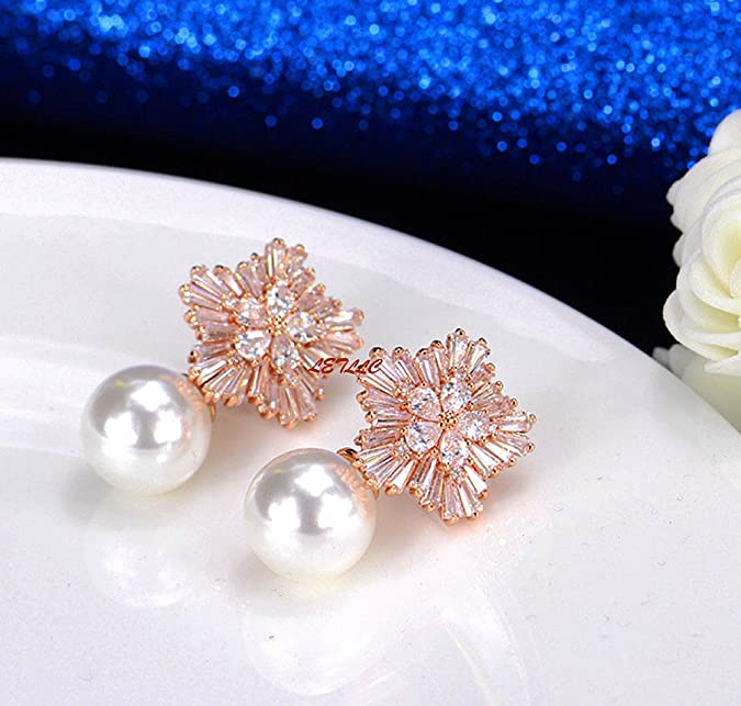 Girl with a pearl  dolly earrings Light and Unique \uff08single\uff09 A single of Cute  Doll earring