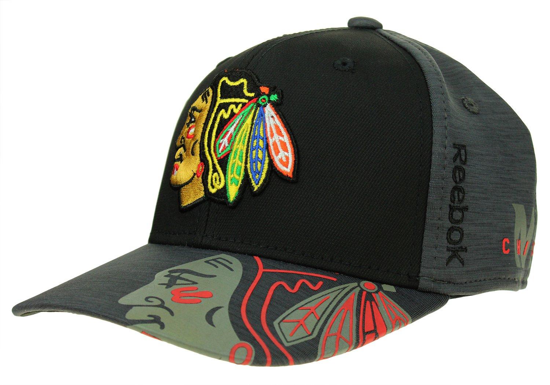 4249c84e0f9 Amazon.com   Reebok NHL Men s Chicago Blackhawks Playoff Structured No  Patch Flex Hat