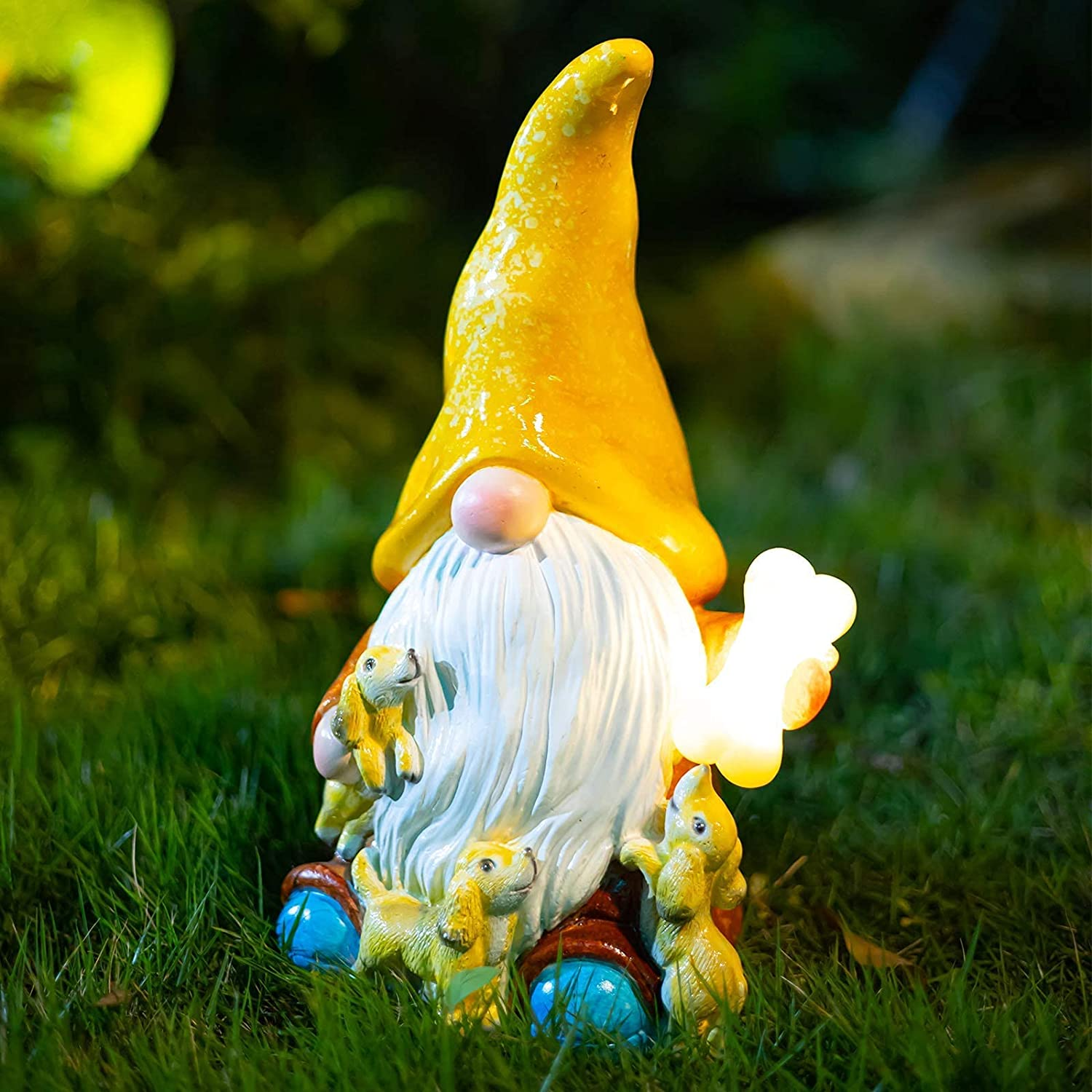 FLJZCZM Garden Gnome Statue, Solar Light Patio Decor Gnomes Play with Dogs Resin Yard Dwarf Figurine Outdoor Ornaments, Gifts Powered LED Lights