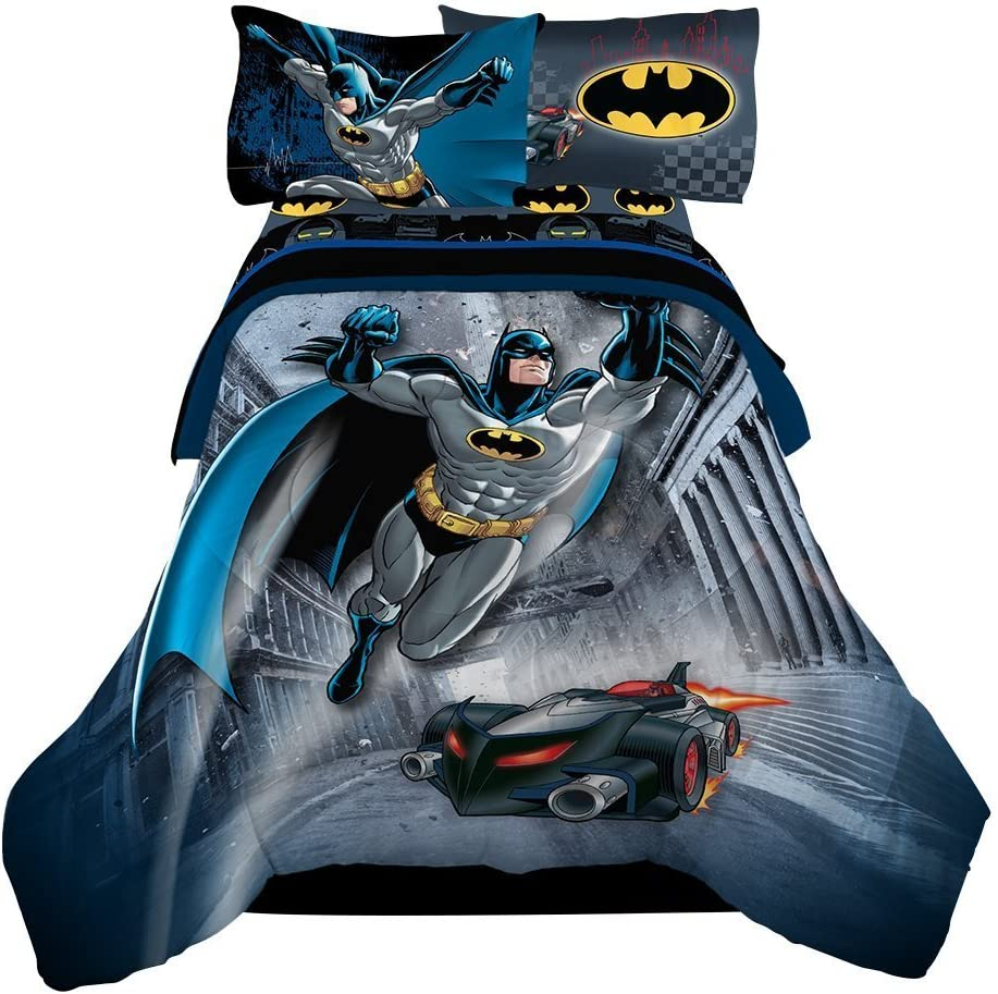 Amazon.com: Reversible Batman, 4pc Twin Comforter & Sheet Set