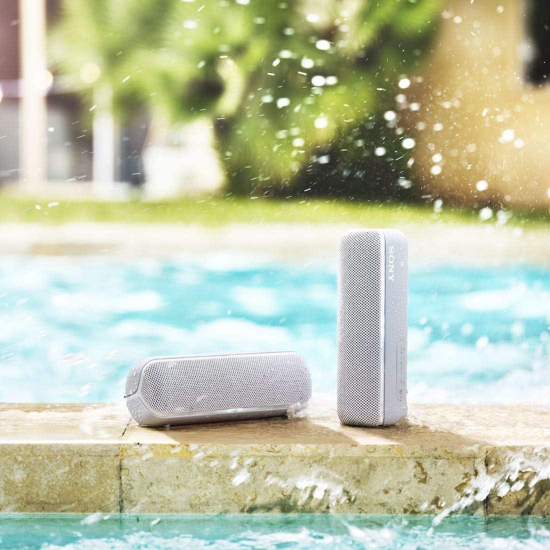 ソニー ワイヤレスポータブルスピーカー SRS-XB22 : 防水 / 防塵 / 防錆 / Bluetooth / 重低音モデル / マイク付き/ 最大12時間連続再生 2019年モデル / マイク付き/ グレー SRS-XB22 H