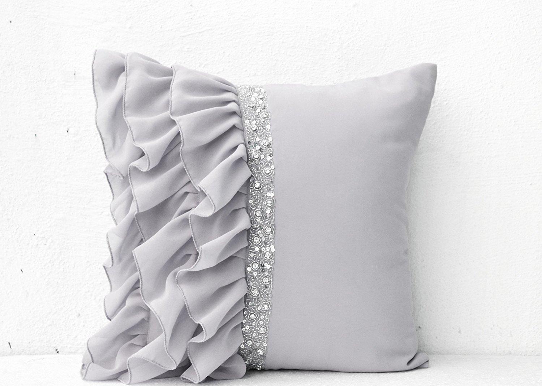 シルバーグレーフリルスパンコールThrow枕with Hand embroidery- 18 x 18枕でgeorgette-装飾スロー枕カバーhandmade-グレークッションカバーでgeorgette-ソファーpillows- an絶妙なギフト   B00DUZG9PC