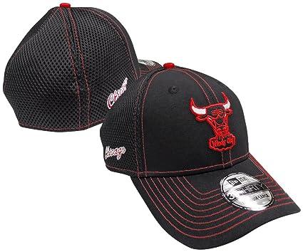 Amazon.com   New Era Chicago Bulls Crux Line Neo 39THIRTY Flex Fit ... 761db4e3cab