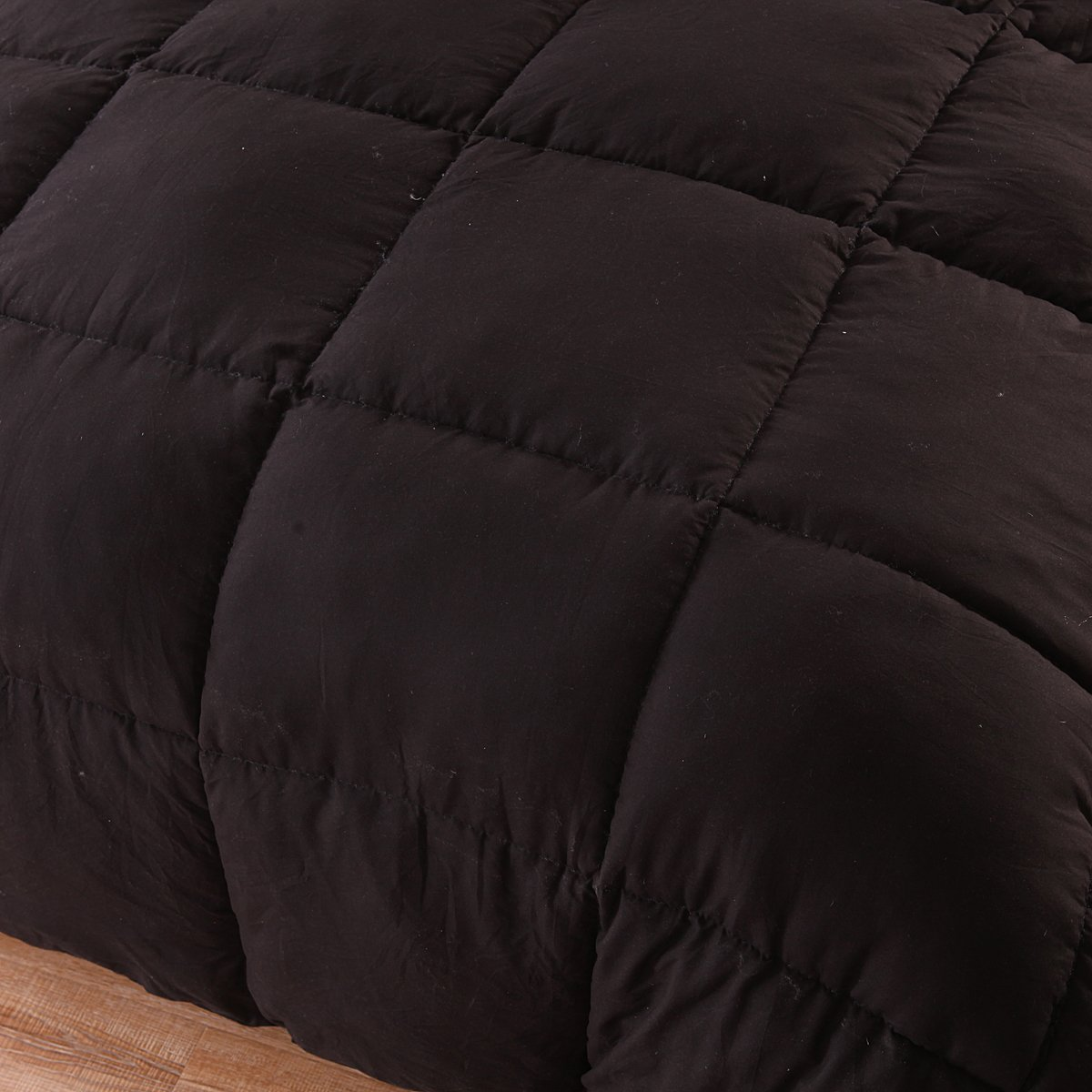 HOMIGOO Solid Down Alternative Comforter Super Soft and Warm Winter Thick Quilt