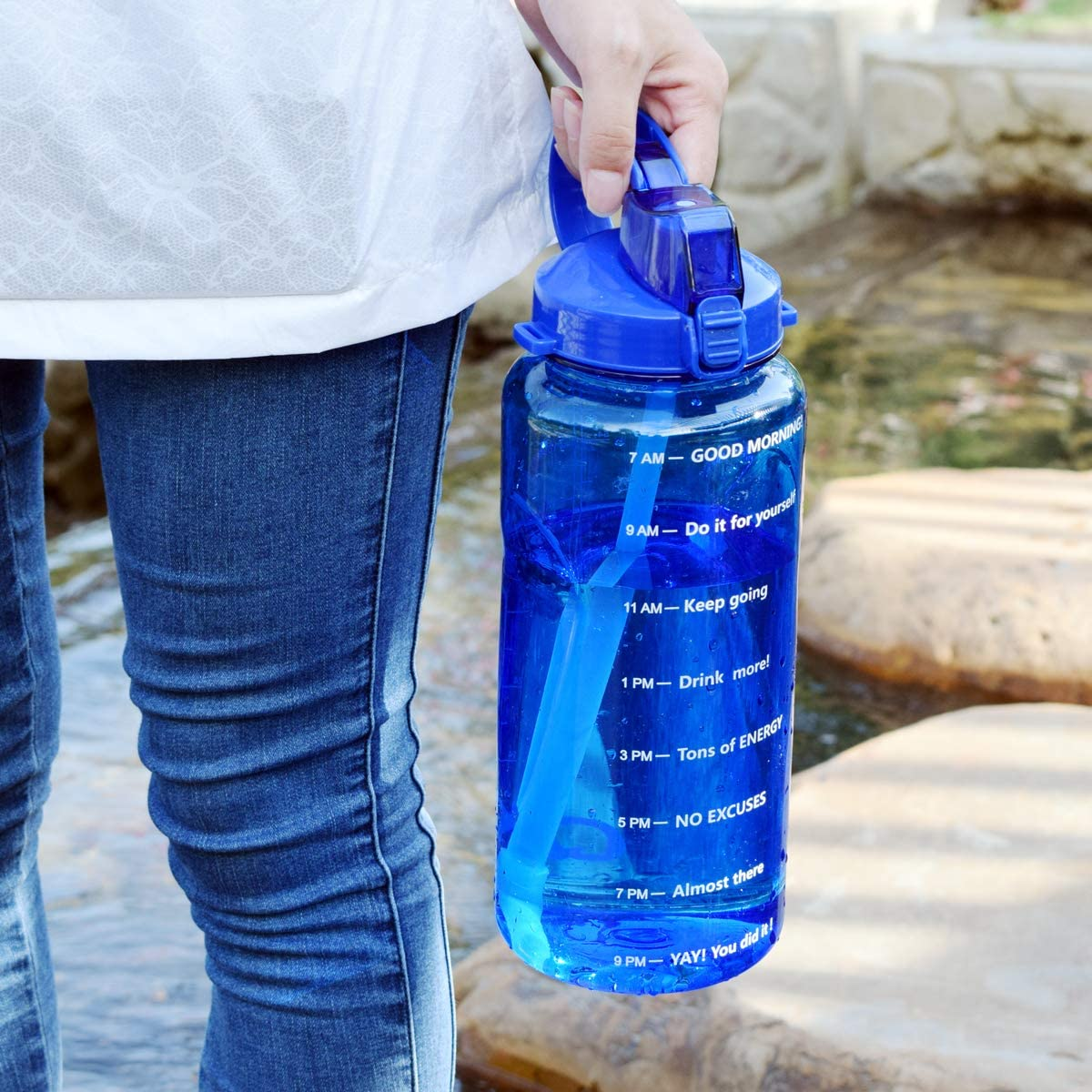 QuiFit 2L//3.8L Portable Daily Water Bottle with Time Marked and Straw Motivational Tritan Sport Water Jug BPA Free